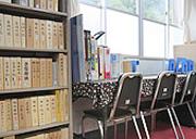 旭図書館の内部の写真1