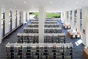 浜田図書館内部の写真2